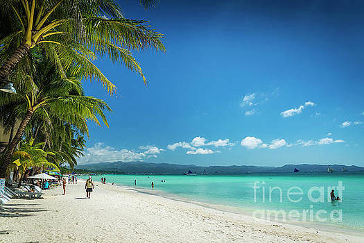 Boracay island tropical coast landscape in philippines by Jacek Malipan