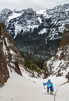 Brandon Price climbing a route called Avalanche Gultch in Hyalit by Elijah Weber