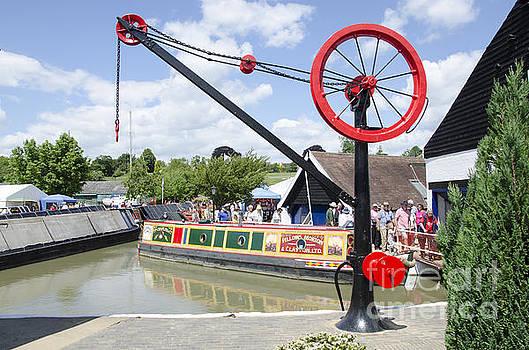 Canal wharf crane by Steev Stamford