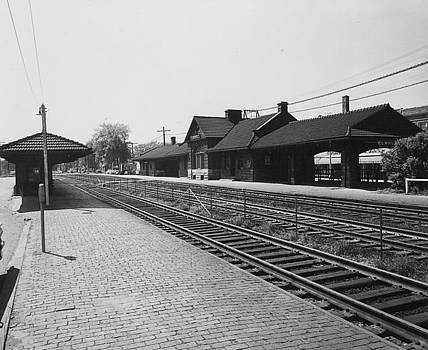 Chicago and North Western Historical Society - Chicago and North Western Elmhurst Railway Depot - 1960