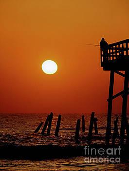 Daytona Sun Glow Pier by Tom Jelen
