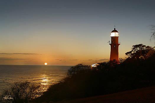 Diamond Head Lighthouse by Stephen Fanning