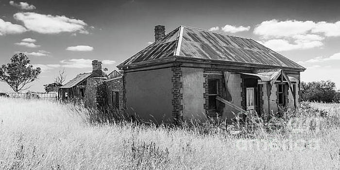 Dilapidated Old Sandstone Farm House. by Carl Chapman