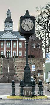 Larry Braun - Downtown Clock