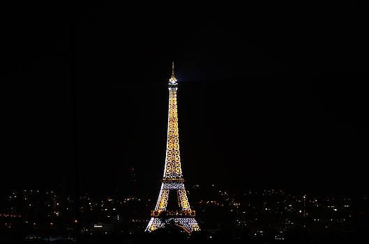Eiffel Tour Paris by Riad Belhimer