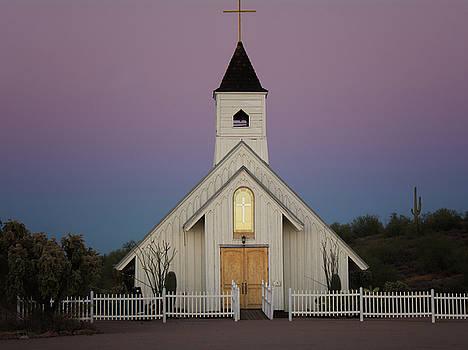 Tam Ryan - Elvis Memorial Chapel