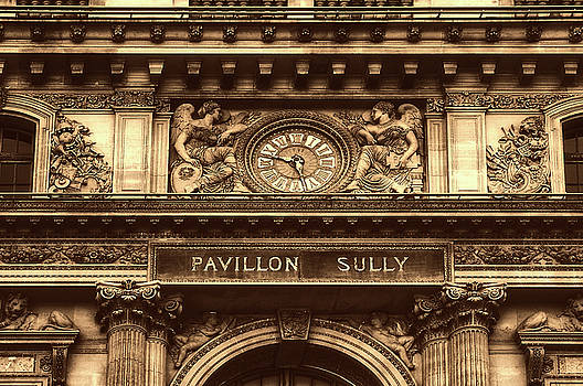Entrance To The Louvre by Pixabay