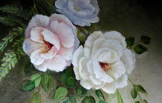 Etre Fleur  by Patricia Schneider Mitchell