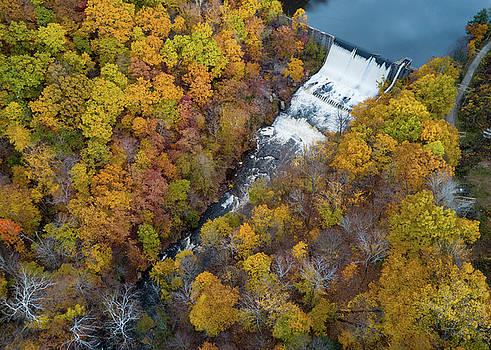 Gorge Dam  by Tim Fitzwater