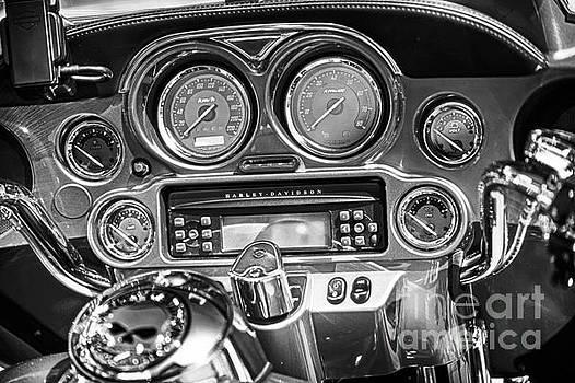 Harley Davidson Cockpit Einer  by Stefano Senise