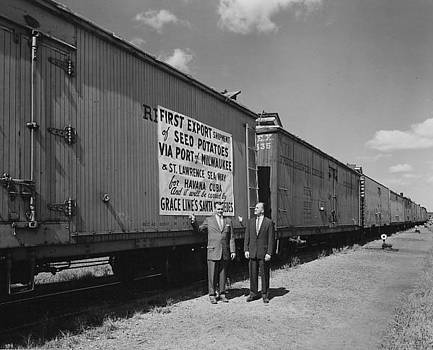Chicago and North Western Historical Society - Historic Seed Potato Export to Cuba - 1959