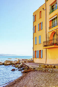 Houses By The Sea In Saint Tropez by Elly De vries