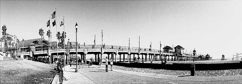 Huntington Beach Pier by Carol Tsiatsios