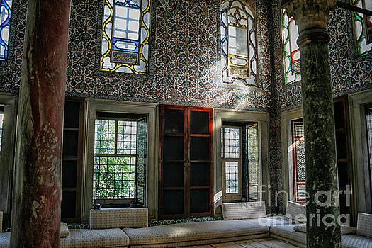Patricia Hofmeester - Inside the harem of the Topkapi Palace