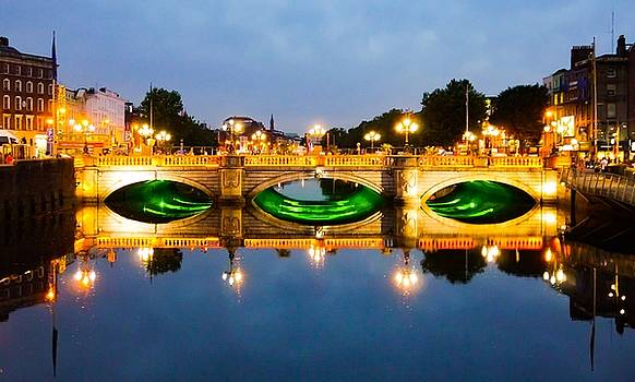 Ireland O'Connell Bridge by James Fitzpatrick