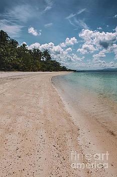 Sophie McAulay - Koh Talu beach