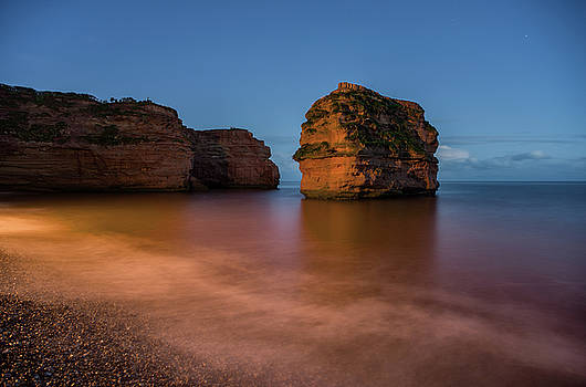 Ladram Bay in Devon by Pete Hemington