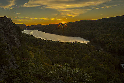 Jack R Perry - Lake of the Clouds Sunrise