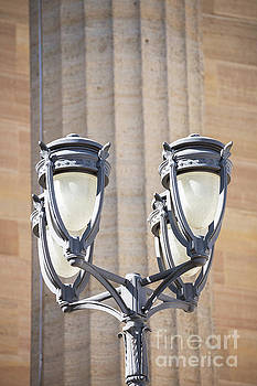 Lamppost at the Philadelphia Art Museum by Leslie Banks