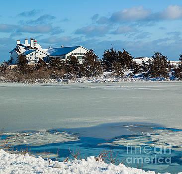 Michelle Wiarda - Lighthouse Inn in Winter