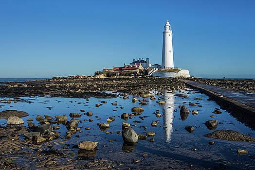David Pringle - Lighthouse Reflection