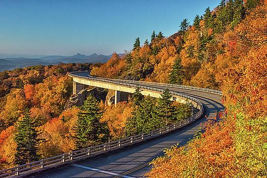 Linn Cove Viaduct  by Reid Northrup