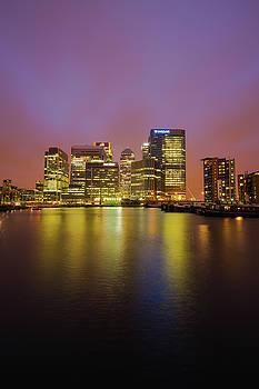 London Canary Wharf by Mariusz Czajkowski