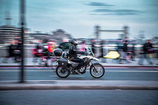 London rush hour by Marius Comanescu