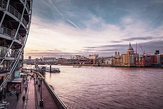 London's skyline  by Marius Comanescu