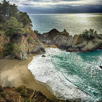 McWay Falls by Lynn Andrews