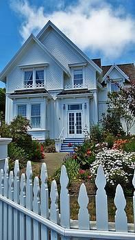 Lisa Dunn - Mendocino Cottage