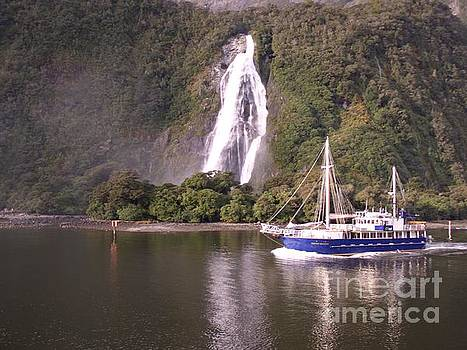 Milford Sound by Joyce Woodhouse
