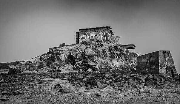 Military building on a Hill by Fabio Gomes Freitas
