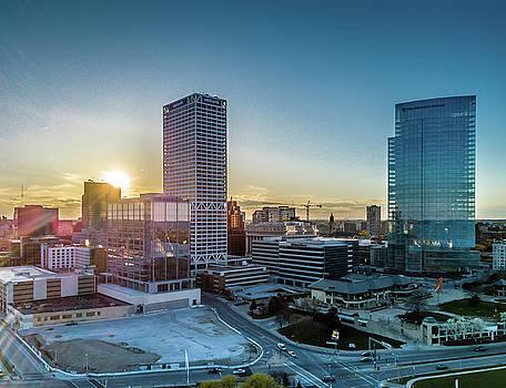 Milwaukee Sunset by Randy Scherkenbach
