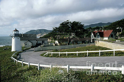 California Views Archives Mr Pat Hathaway Archives - Montara Lighthouse now a Youth Hostel San Mateo Coast of California south of San Francisco