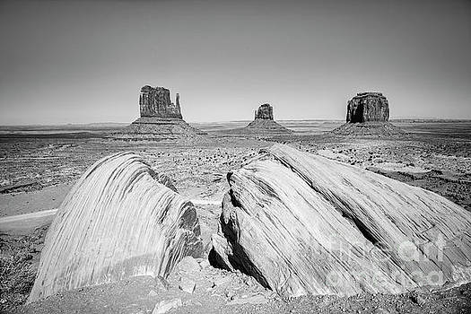 Monument Valley by Colin and Linda McKie