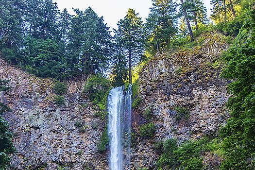Multnomah Falls Cliff by Jonny D