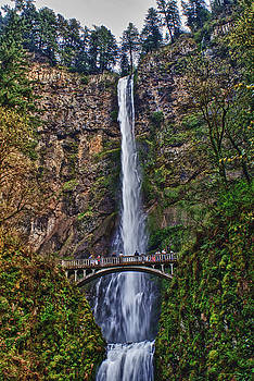 Multnomah Falls by John Winner