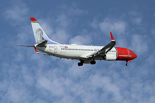 Norwegian Boeing 737-8JP by Nichola Denny
