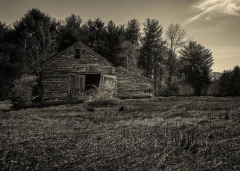 Old Barn by Bob Orsillo