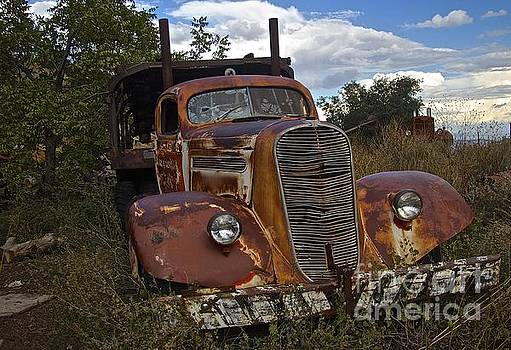 Old  semi Truck by Anthony Jones