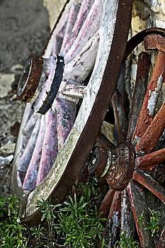Marilyn Hunt - Old Wagon Wheels