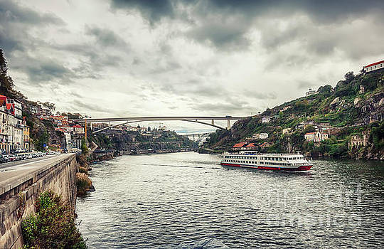 Ariadna De Raadt - panorama of the Douro river, Dom Luiz Bridge of  Porto, Portugal