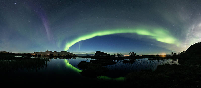 Panoramic Aurora by Frank Olsen
