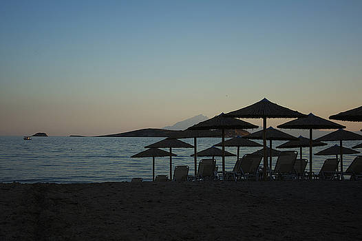 Newnow Photography By Vera Cepic - Parasol and sunbeds at sunset