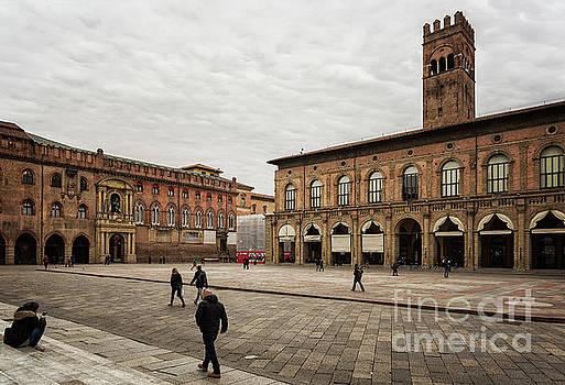 Sophie McAulay - Piazza Maggiore Bologna