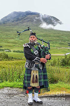 Playing bagpiper by Patricia Hofmeester
