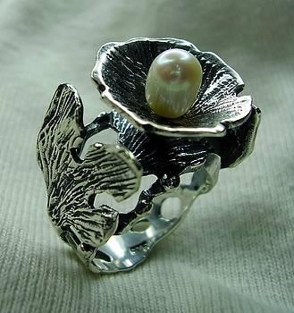 Ring-silver 925-pearl by Jonatan Kor