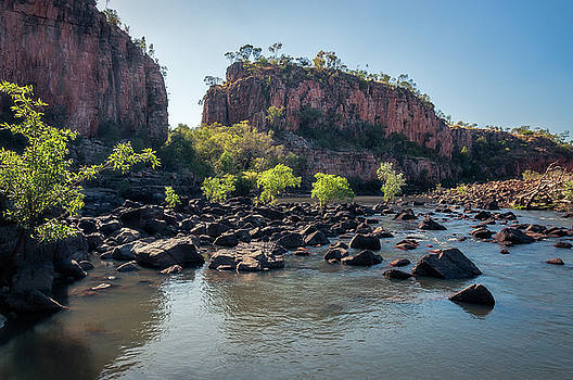 Rocks and trees blocking the river at Katherine Gorge, Australia by Daniela Constantinescu