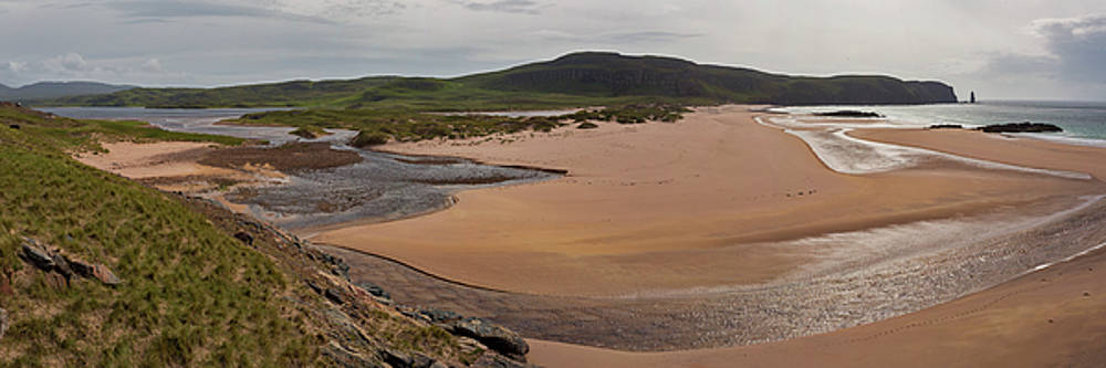 Sandwood Bay Panorama by Derek Beattie